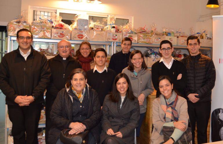 Los novicios visitan y colaboran durante una jornada en la Fundación Altius