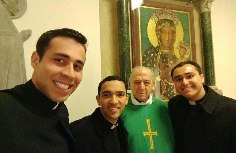 Ser sacerdote legionario de Cristo | 7 legionarios de Cristo nos cuentan qué significó el seminario para su vocación sacerdotal